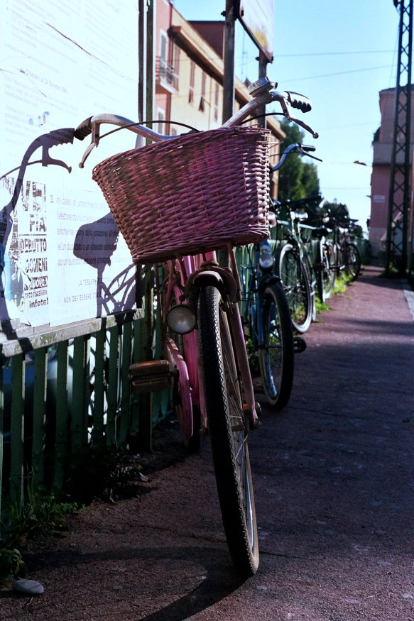bicycle_pink_ventimiglia1