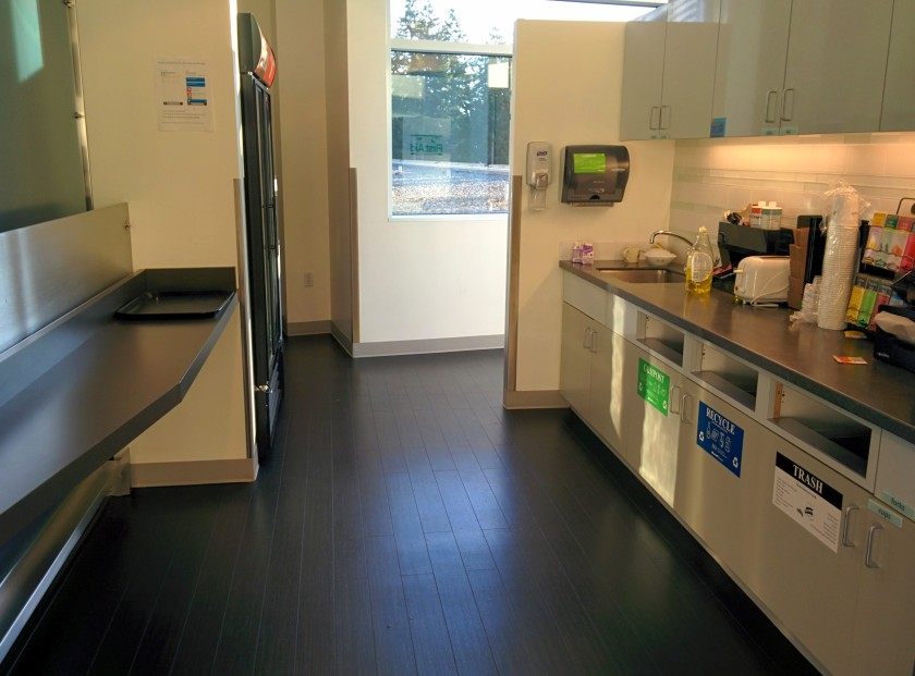 employee_kitchen_in_microsoft_building_36